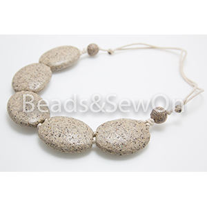 Eco Beads 2H Pebble Necklace Beige
