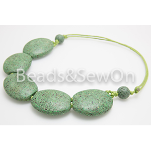 Eco Beads 2H Pebble Necklace Green