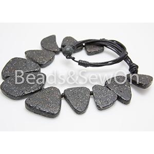 Eco Beads Flat Pebble Necklace Black