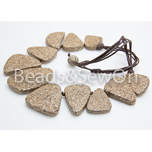 Eco Beads Flat Pebble Necklace Brown